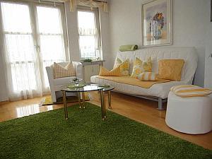 Top! Großzügige 4-Zimmer Maisonette-Wohnung mit Dachterrasse und Stellplatz in München - Perlach