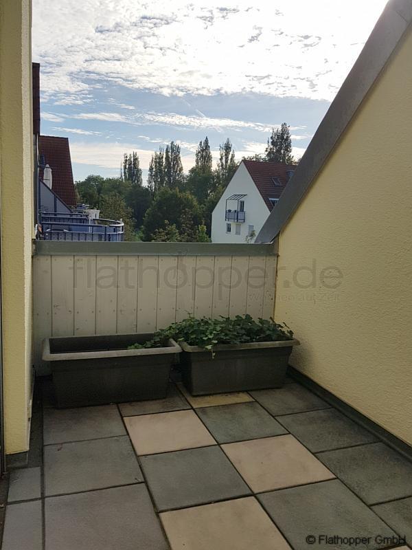 exklusive 2 zimmer wohnung auf zwei etagen mit balkon und. Black Bedroom Furniture Sets. Home Design Ideas