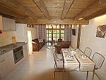 Hochwertige 2-Zimmer-Wohnung mit Stellplatz Nähe Vogtareuth