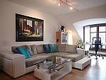 Exzellente 2-Zimmer-Wohnung mit Dachterrasse und Stellplatz