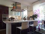 Elegante 3-Zimmer-Wohnung mit 2 Balkonen und Dachterrasse in München - Bogenhausen