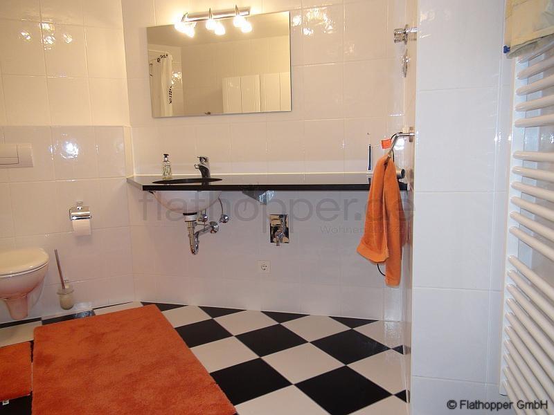 moderne 2 zimmer wohnung mit balkon und stellplatz in m nchen schwabing west nr 107595. Black Bedroom Furniture Sets. Home Design Ideas