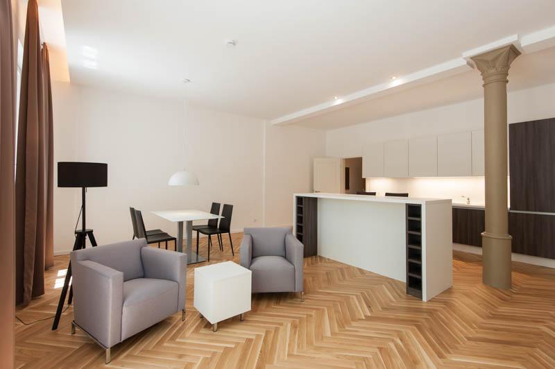 m blierte 3 zimmer wohnung mit aufzug in m nchen. Black Bedroom Furniture Sets. Home Design Ideas