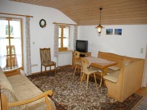 wohnen auf zeit rosenheim nr 90346. Black Bedroom Furniture Sets. Home Design Ideas