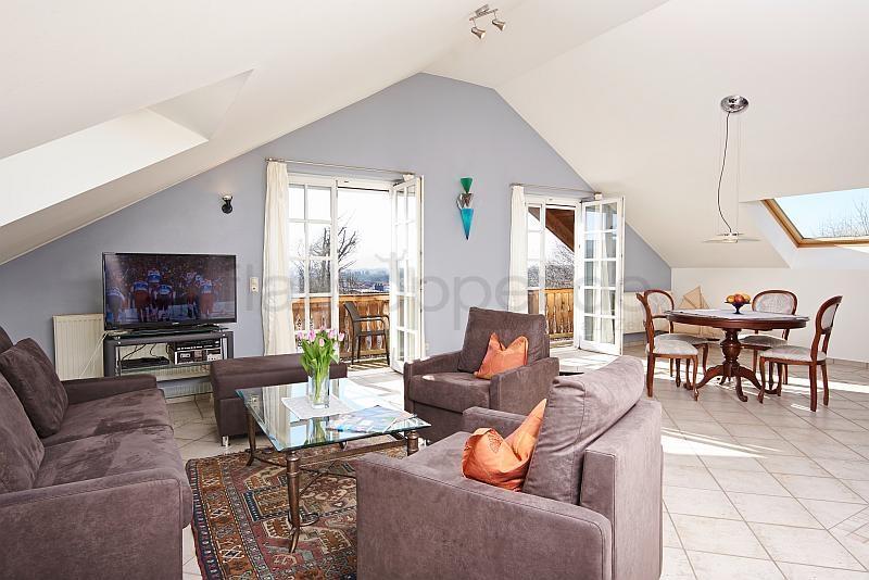 ruhige 2 zimmer suite mit balkon in bad endorf landkreis rosenheim nr 90566. Black Bedroom Furniture Sets. Home Design Ideas