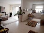 2,5-Zimmer Wohnung mit Balkon, Sauna und Schwimmbad in München - Bogenhausen im Herzogpark