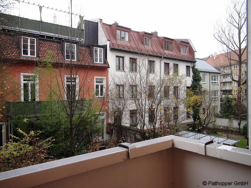 moderne 2 zimmer wohnung im altbau mit balkon in m nchen haidhausen nr 93525. Black Bedroom Furniture Sets. Home Design Ideas